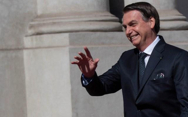 "Bolsonaro niega ser xenófobo y machista diciendo que son ""fake news"" - Foto de Martin Bernetti/AFP"