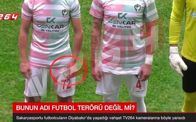 #Video Futbolista turco ataca con una navaja a rivales