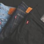 Levi's regresa a Wall Street tras 34 años de ausencia - Pantalones de la marca Levi's. Foto de Mnz para Unsplash