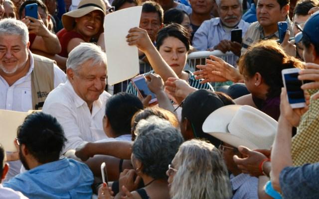 Rescataremos a Pemex y a la CFE: López Obrador - Foto de Notimex
