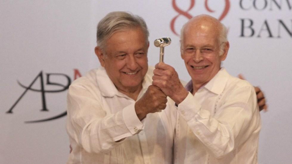 Asume Luis Niño de Rivera presidencia de ABM - Luis Niño de Rivera y López Obrador