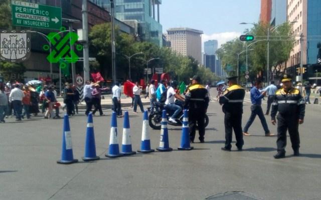 Inicia marcha del Ángel de la Independencia al Zócalo capitalino - Foto de @OVIALCDMX