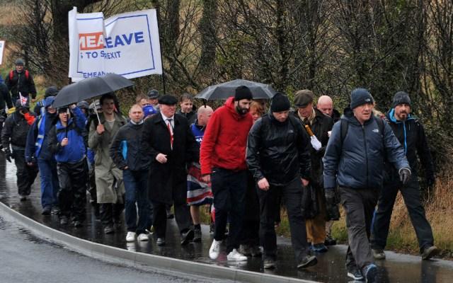 Manifestantes a favor del Brexit comienzan una marcha hasta Londres - Foto de AFP