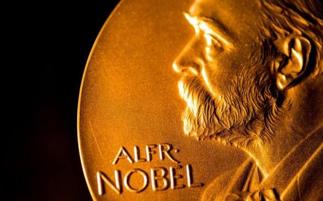 Entregarán dos Nobel de Literatura este año - Medalla de los Premios Nobel. Foto de @nobelprize