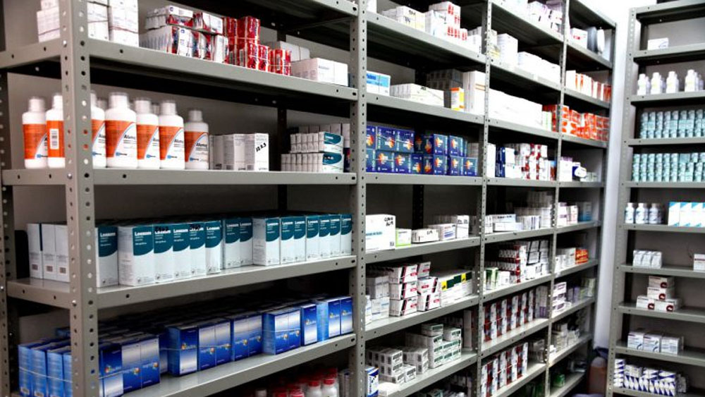 Desecho de medicamentos, problema sanitario - Foto de archivo