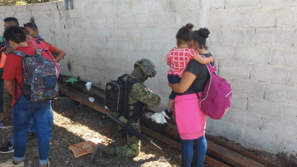 Rescatan a 34 migrantes centroamericanos en Altamira, Tamaulipas - Foto de @cmanueljuarez