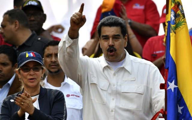 "Maduro pide almacenar agua para enfrentar ""guerra no convencional"" contra Venezuela - Foto de AFP"