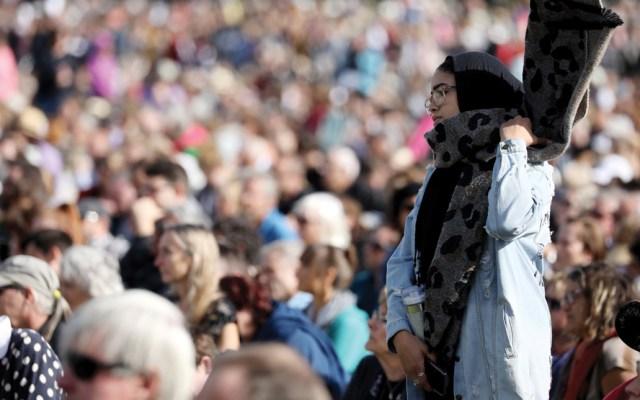 Realizan ceremonia en memoria de víctimas de ataques en mezquitas en Nueva Zelanda - Foto de AFP
