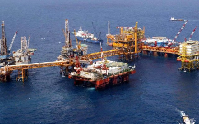 Comisión de Hidrocarburos autoriza cambios en proyectos de Shell y Pemex - Plataformas de perforación petrolera. Foto de @Pemex