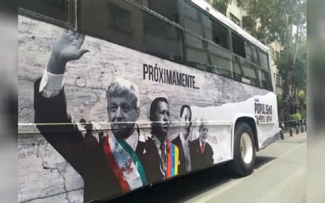 Denuncia por 'Populismo en AL' es persecución de ideas: Calderón - Publicidad de documental Populismo en América Latina. Foto de @monerohernandez