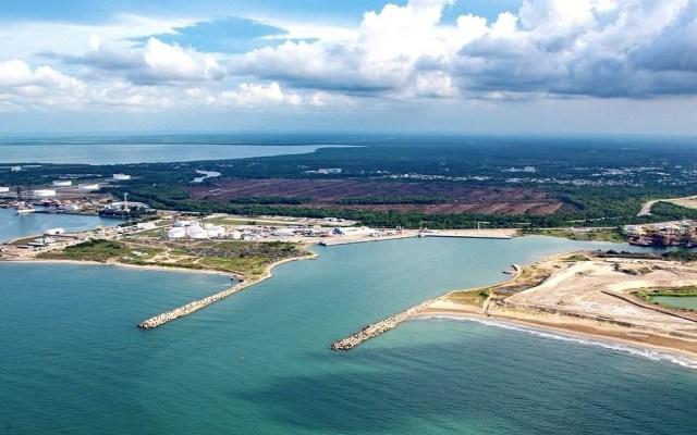 AMLO defiende a compañías invitadas para licitación de refinería - Puerto de Dos Bocas, Tabasco. Foto de @puerto_dosbocas