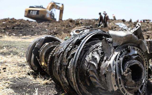 Sistema de estabilización se activó antes de accidente de avión en Etiopía - Los restos del avión estrellado de Ethiopian Airlines