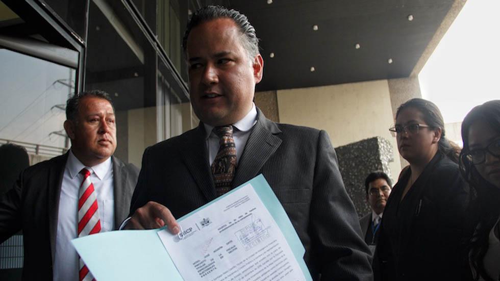 Santiago Nieto presenta denuncia por presunta campaña negra contra AMLO - Santiago Nieto con denuncia por campaña negra contra AMLO. Foto de Cuartoscuro