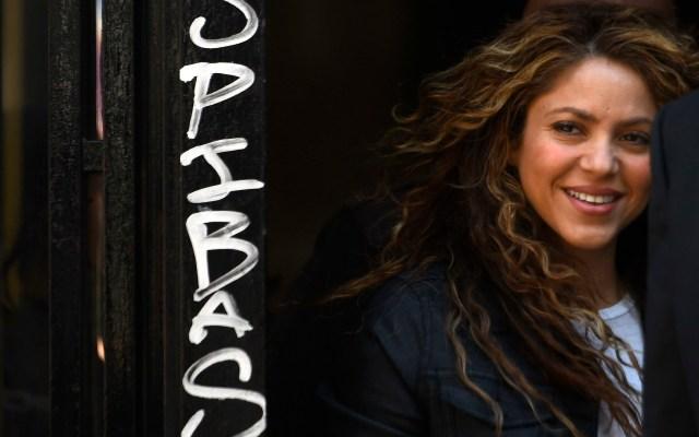 Shakira y Carlos Vives niegan ante juez plagio de 'La bicicleta' - Shakira arribando a juzgado español. Foto de AFP / Oscar del Pozo