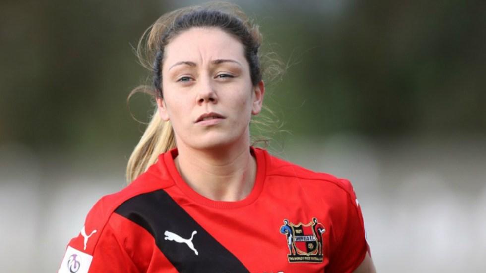 Futbolista inglesa anuncia que se retira tras ser sancionada por insultos racistas - Foto de The FA