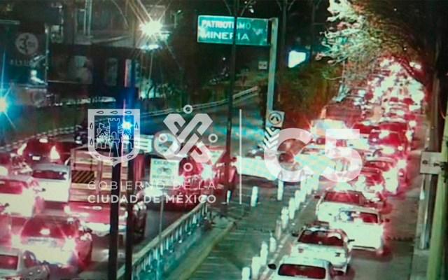 Tráiler provoca cierre de carriles centrales en Viaducto - Foto de @C5_CDMX