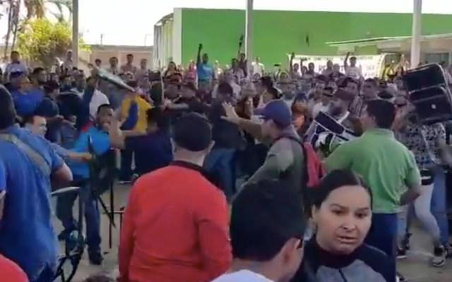 #Video Riña entre miembros de la CNTE en Uruapan - Captura de pantalla