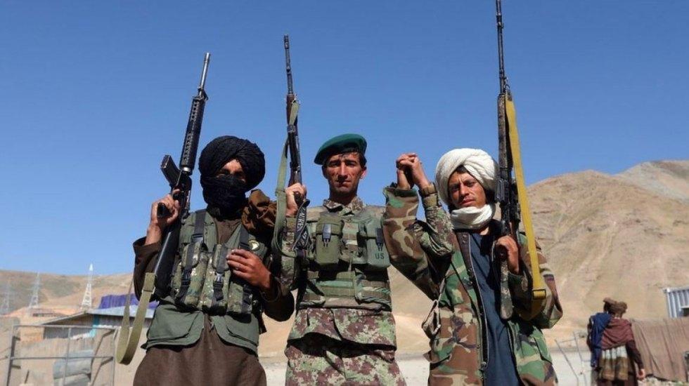 Mueren 27 talibanes en ataque frustrado en Afganistán - Foto de T13