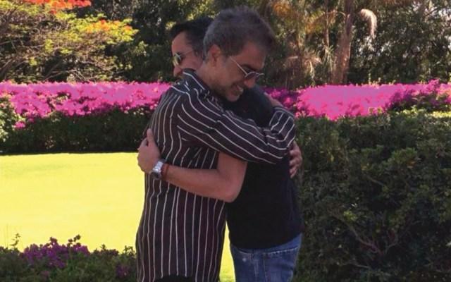 El Potrillo y Carlos de la Torre terminan relación laboral de 26 años, pero permanece la relación de amistad - El 'Potrillo' y Carlos de la Torre. Foto de Twitter Alejandro Fernández.
