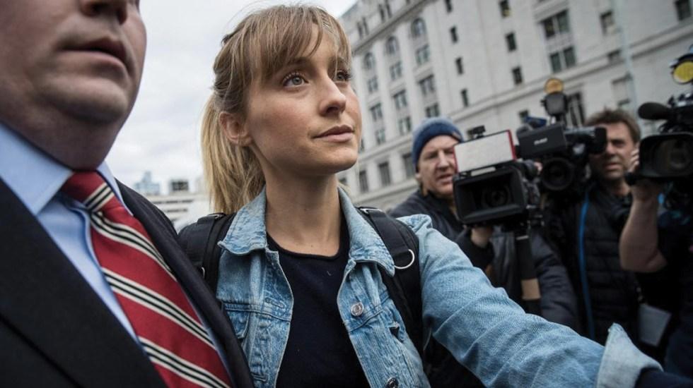 Actriz de 'Smallville' se declara culpable en caso de tráfico sexual - Foto de CNN
