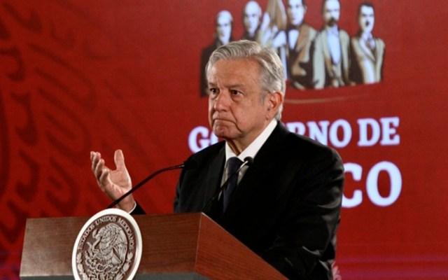 Huachicoleo baja de 56 mil a cinco mil barriles: López Obrador - Foto de Notimex