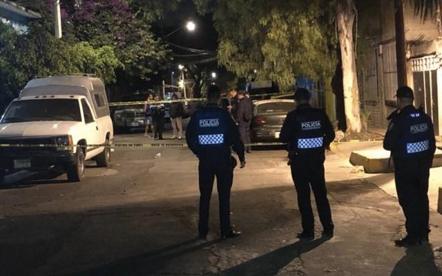 Encuentran cuerpo de hombre asesinado dentro de un auto en Coapa - Foto de @vialhermes