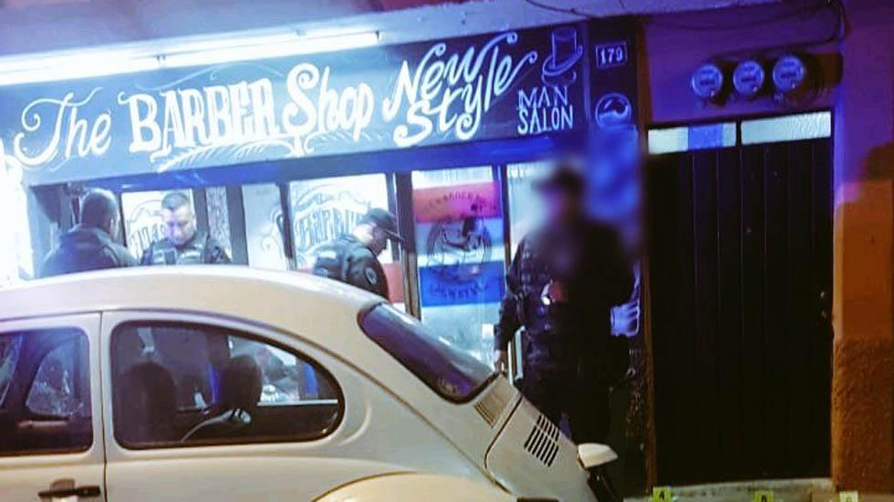 Matan a balazos a dos jóvenes en barbería de Neza - Barbería en Neza. Foto de @alertasurbanas