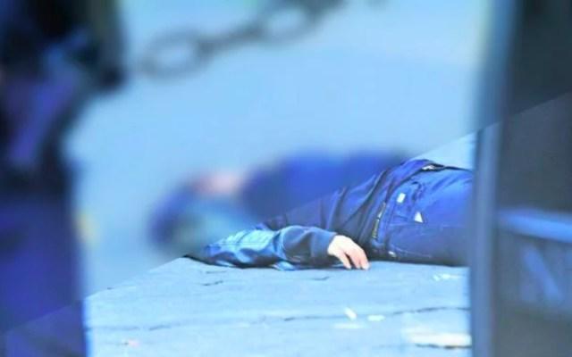Cadáver de mujer permanece tirado seis horas tras balacera en Naucalpan - pelea balacera naucalpan