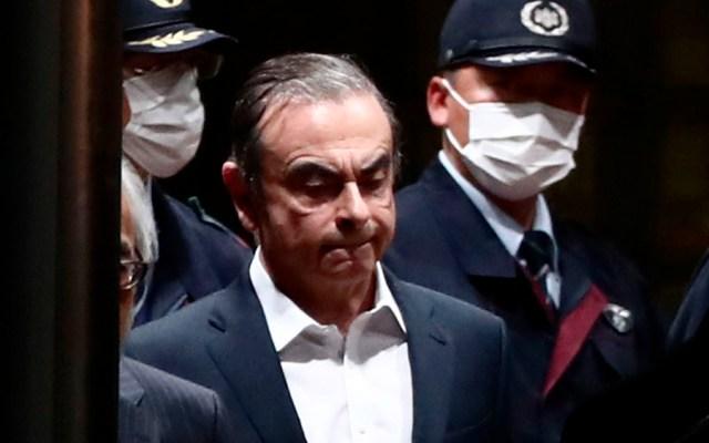 CarlosGhosn sale de centro de detención de Tokio - carlos ghosn nissan