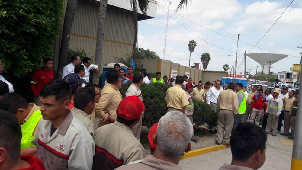 Despiden a 140 trabajadores de Coca Cola en Matamoros tras huelga - Foto Especial