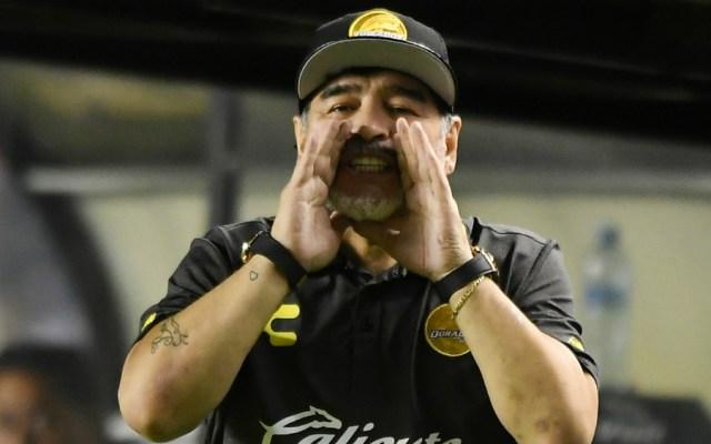 Disciplinaria multa a Maradona por dedicar triunfo a Maduro - Foto de Mexsport