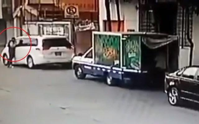 #Video Automovilista ahuyenta a asaltante con disparo - Intento de asalto en la alcaldía Cuauhtémoc. Captura de pantalla