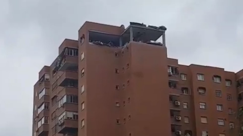 #Video Explosión de gas acaba con piso de edificio en Madrid - Edificio destruido por explosión de gas. Captura de pantalla
