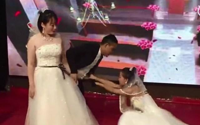 #Video Mujer llega vestida de novia a boda de exnovio - Foto de captura de pantalla