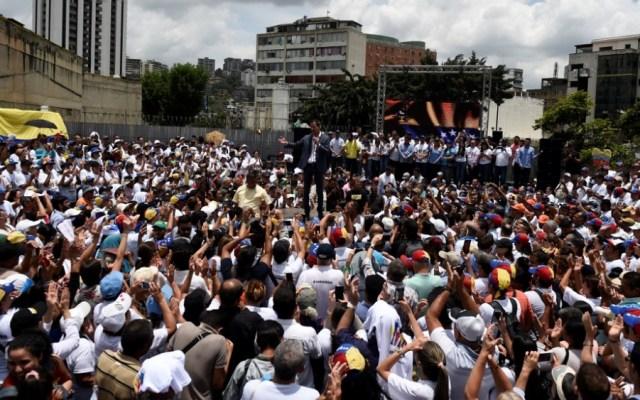 Guaidó y Maduro miden fuerzas previo a marchas del 1 de mayo - guaidó venezuela