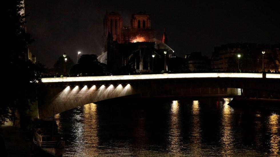 Usar aviones cisterna podría destruir la catedral de Notre-Dame - Notre-Dame