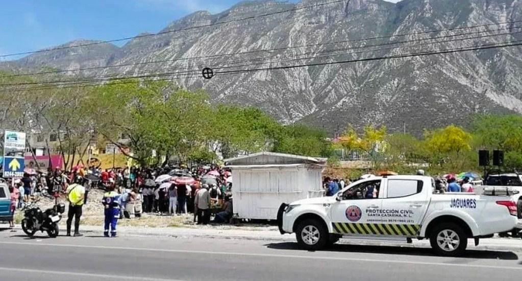 Actor que representaba a Jesús cae de la cruz en Nuevo León - Foto de Noticieros Televisa