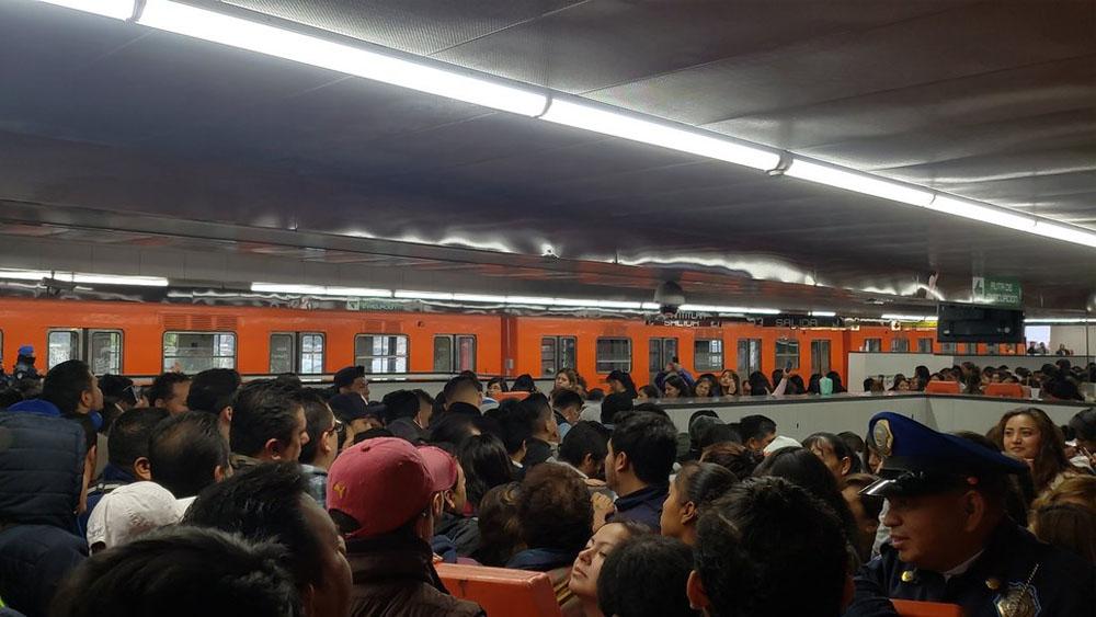 Restablecen servicio en Línea 9 del Metro tras falla - Foto de @lagunes666