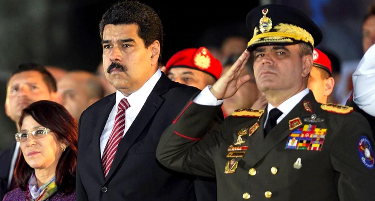 Bolton pide a Padrino López proteger a los venezolanos