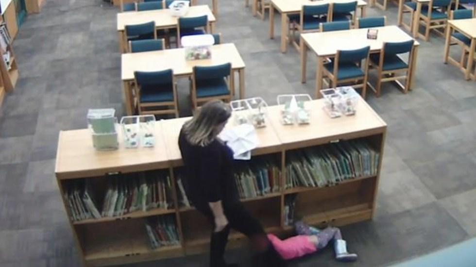 #Video Despiden a maestra por patear a niña de cinco años - Foto de Daily Mail