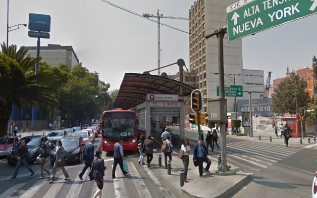 Muere hombre en estación de la Línea 1 del Metrobús - Metrobús Colonia del Valle. Captura de pantalla / Google Maps