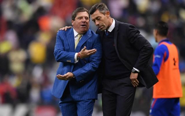 """""""Soy su ídolo"""": 'Piojo' Herrera a Caixinha - Foto de Mexsport"""