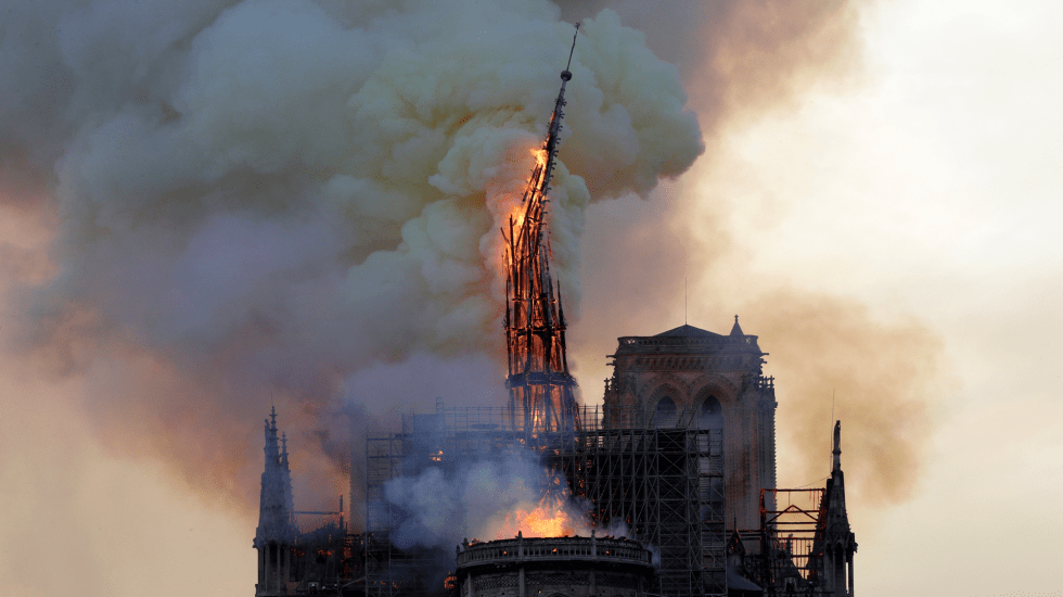 Se incendia catedral de Notre-Dame en París - Foto de FRANCOIS GUILLOT / AFP.