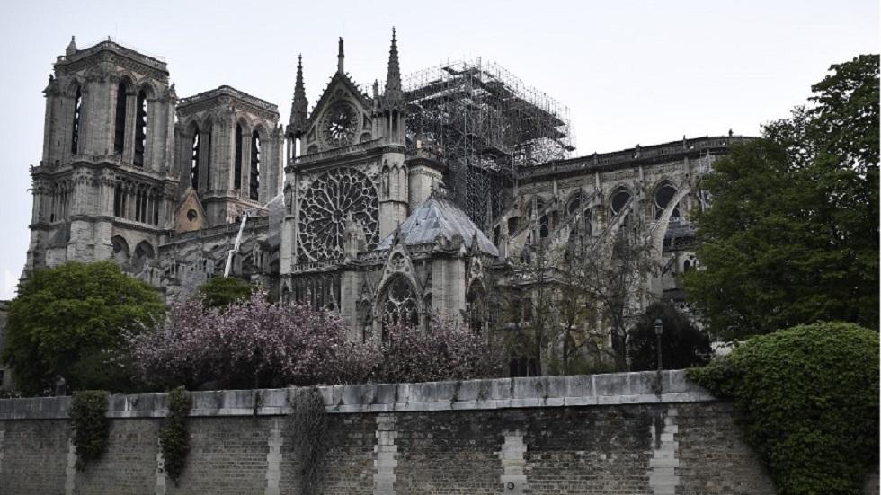 Vista panorámica de la catedral tras el incendio. Foto de AFP / Stephane de Sakutin