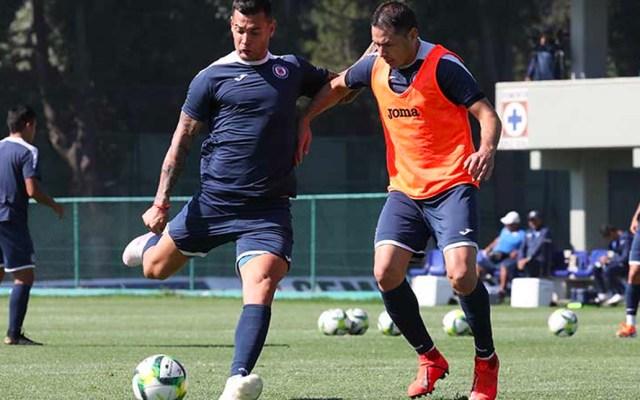 Pablo Aguilar supera lesión y regresa a los entrenamientos del Cruz Azul - Foto de Cruz Azul