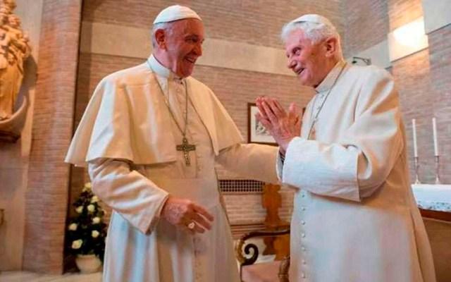 Papa Francisco visita a Benedicto XVI - Foto de @aciprensa