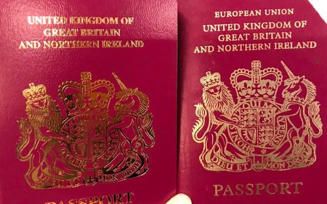 Nuevos pasaportes británicos no incluyen la mención 'Unión Europea' - Foto de @SpinHBarone