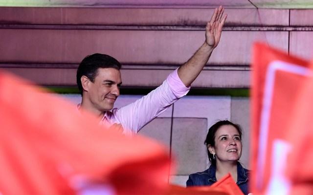 Pedro Sánchez gana elecciones en España; PP se desploma y ultraderecha avanza - Pedro Sánchez, el virtual presidente de Gobierno en España. Foto de JAVIER SORIANO / AFP.