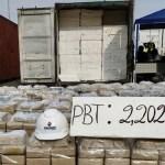 Decomisan más de dos toneladas de cocaína en Perú - decomiso de cocaína