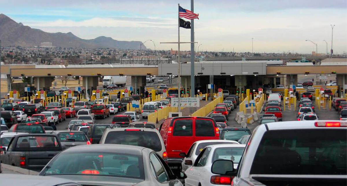 Acuerdan EE.UU y México restringir viajes no esenciales en la frontera terrestre por 30 días - Foto de Puentes de Chihuahua